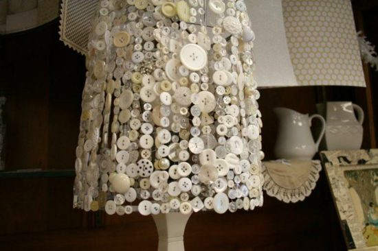 lampenschirm basteln mit knöpfen