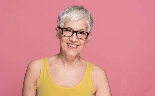 modische Frisuren für Frauen ab 60 Pixie