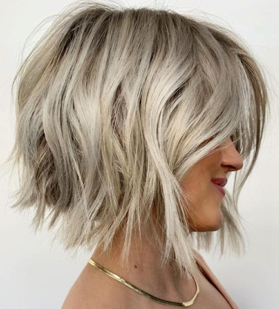 platin blond grungy bob 2021