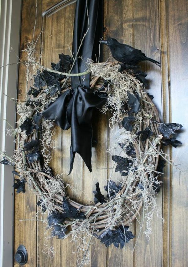 türkranz halloween gruseliges design fledermäse rabe