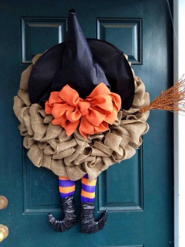 türkranz halloween hexenbeine hexenhut festliche stimmung schaffen
