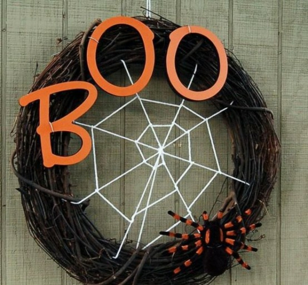 türkranz halloween weidenkranz gruselige türdeko ideen