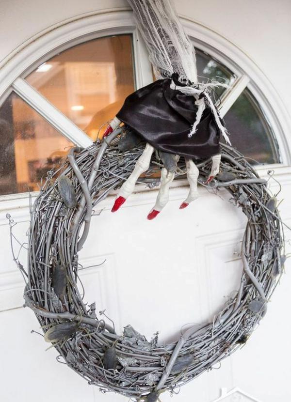 türkranz halloween weinrebe äste hexenhand gruselig